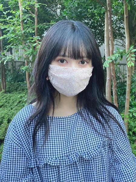 ピンク着用(UVカット白マスクとのレイヤード)