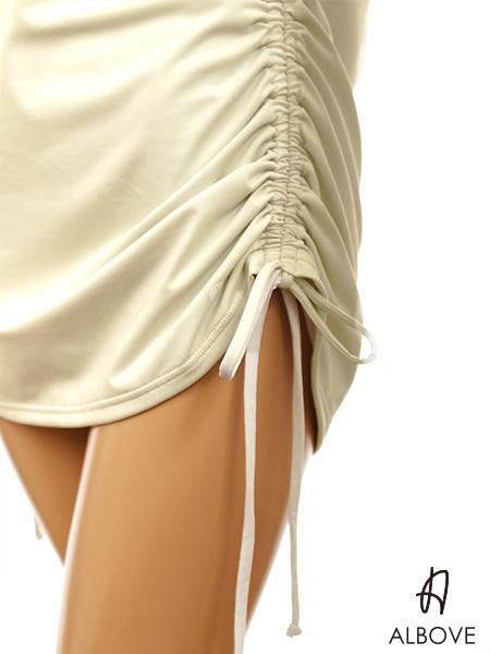 サイド紐で丈感調節可能