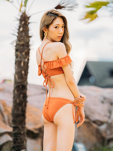 kana(PEAK&PINE×17LIVE)オレンジ着用